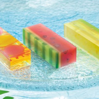 外も中もかわいい夏の和菓子、『両口屋是清』の「涼夏 ささらがた」