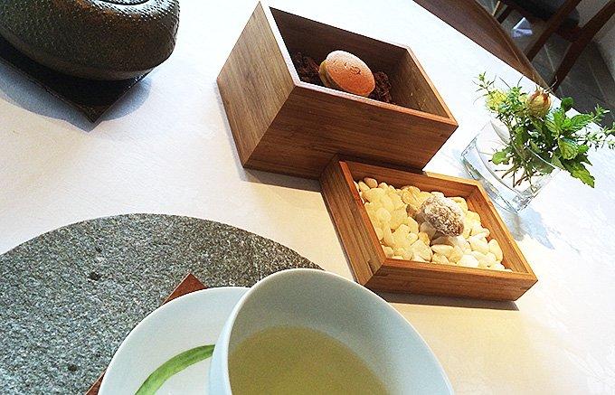 いつもの料理が超高級レストランの味にたちまち変わる!摘み立てバジルが香るペースト