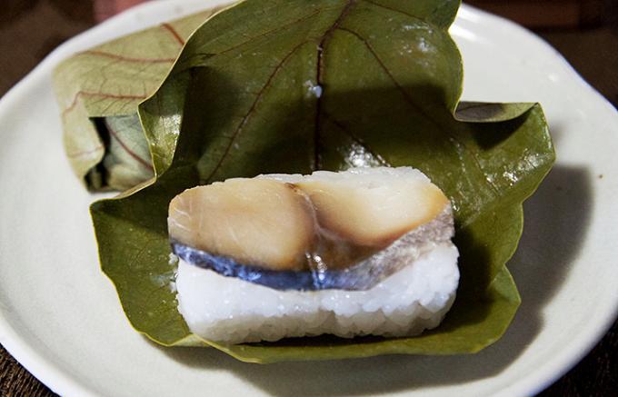 2日目が一番おいしい?!桜のシーズンに食べたい奈良・吉野山の「柿の葉寿司」