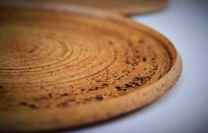 「土」を用いて富山ならでは自然観を表現!陶芸作家・釋永岳氏の器「アージュ」