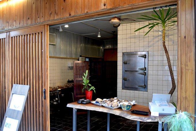 行列必至、土曜日のみ開店。わずか数十分で完売の謹製焼豚