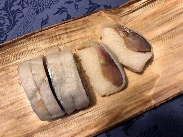 上品な千枚漬けの爽やかな甘み。京都名店の期間限定鯖寿司「八坂の雪」