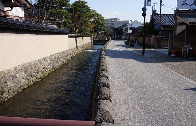 「この路、ひとすじ」。金沢の武家屋敷で味わう職人のこし餡