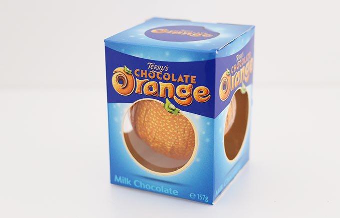 オレンジ?チョコレート?叩きつけてから食べる不思議な「チョコレートオレンジ」