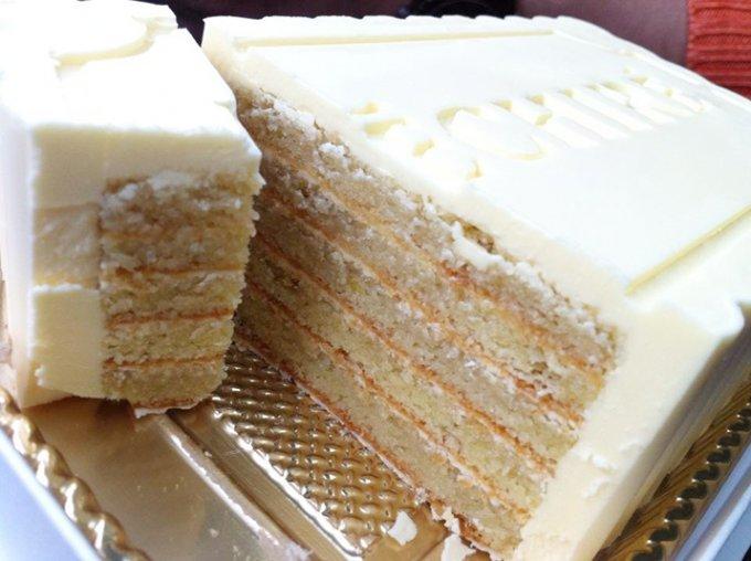 クリームの半分が最高級エシレバター!濃厚生バターケーキ!