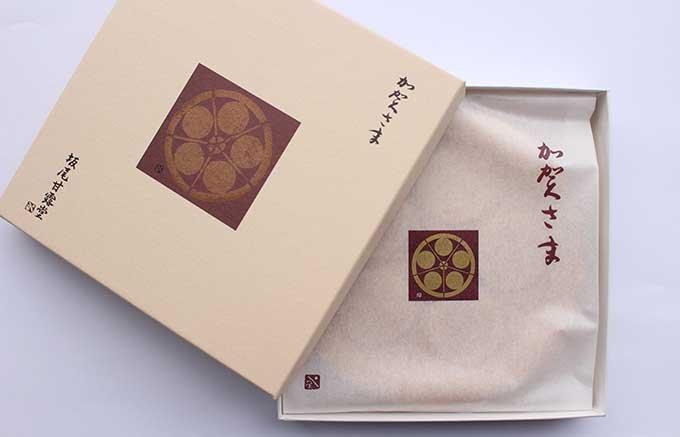 金沢屈指の老舗「坂尾甘露堂」の最中「加賀さま」