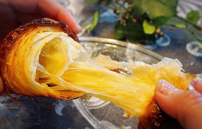 自宅で本格クロワッサン!芳醇バターが癖になるカルバの「プラチナ クロワッサン」