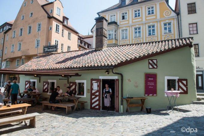 ドイツ最古のソーセージ屋さんがある!レーゲンスブルクに伝わる絶品ソーセージ