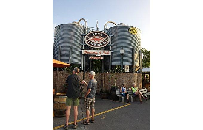 ハワイ人気NO.1 コクと香りのクラフトビール「コナ・ビール」