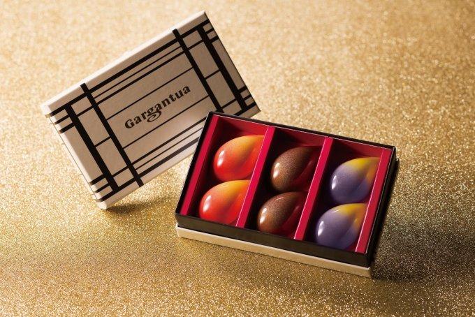 チョコレート界の神の手が作り出す帝国ホテル 東京の ボンボン ショコラ「ガトー」