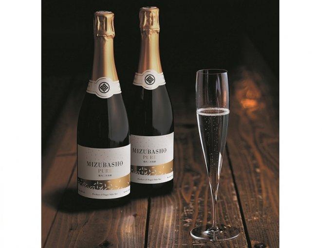 新年祝酒!森の恵み水で仕込む日本酒スパークリング「MIZUBASHO PURE」